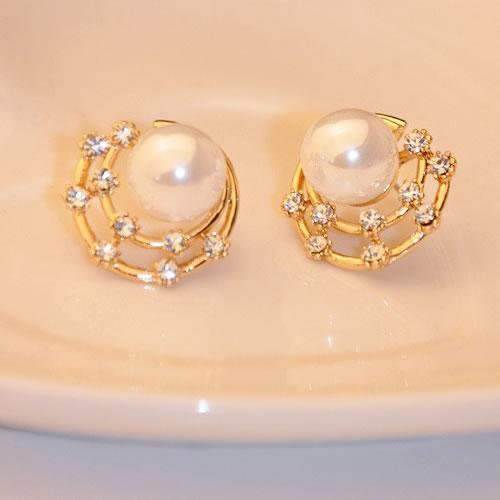 Product Details Vintage Starry Empty S Flash Imitation Diamond Pearl Earrings Studs