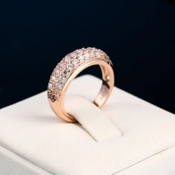 Round Shape Rose Gold Zirconia Ring