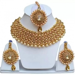 Golden Tone Kundan Choker Necklace With Necklace Set