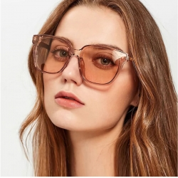 Light Brown Glass High Fashion Sunglasses