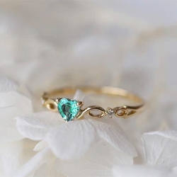 Fashion Green Heart Zircon Stone Romantic Ring