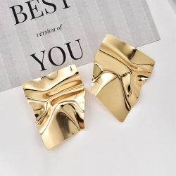 Punk Exaggerate Golden Color Metal Earring