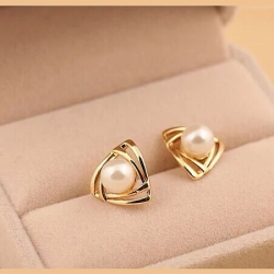 Smooth pearl fashion stud earrings