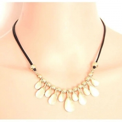 Fashion Opal Crystal Drops Flower Pendant Necklace
