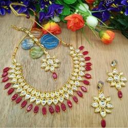 Stylish Kundan Magenta Pearl Choker Necklace Set