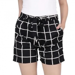 Women Black Checkerd Print Regular Fit Shorts