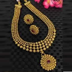 Gold-Plated Choker Necklace Set