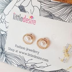 Simple Pearl Stud Earring